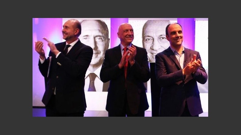 Los tres candidatos a gobernador durante el Debate en Televisión Litoral.