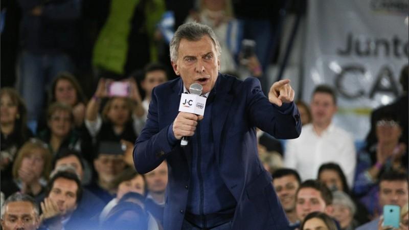 Macri durante su discurso de este lunes en club Banco Nación de Rosario.