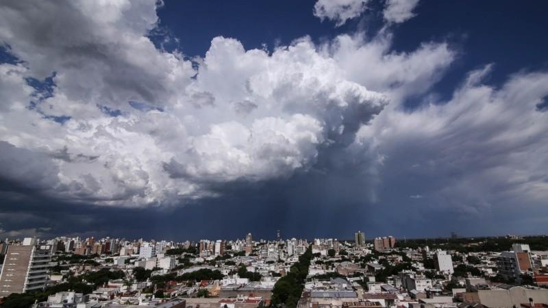 Una de las últimas tormentas que afectó Rosario y la región en diciembre.