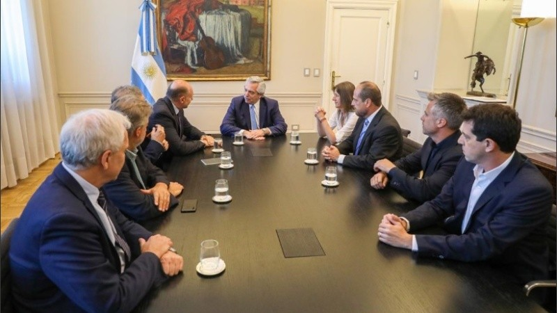El mandatario provincial participó del encuentro con Alberto Fernández.