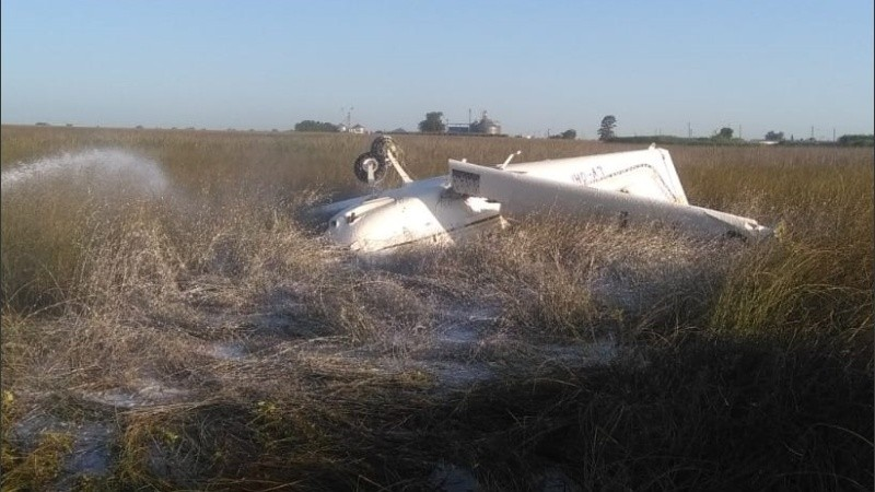 La avioneta cayó cerca de Villa Cañás.