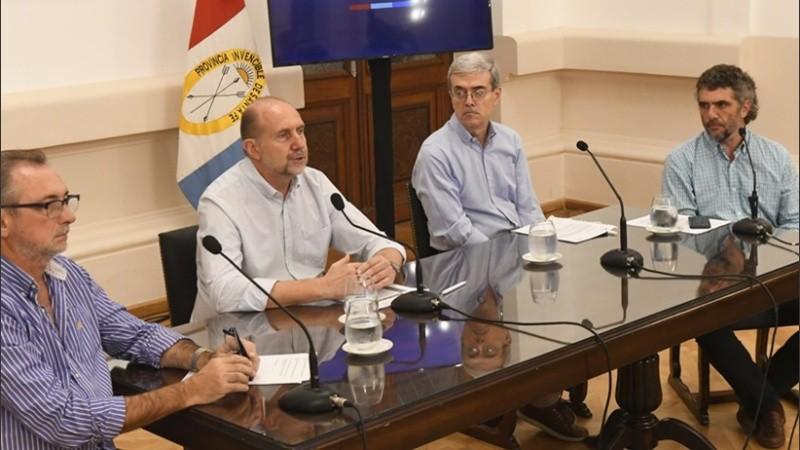 Perotti encabezó los anuncios económicos de la provincia.
