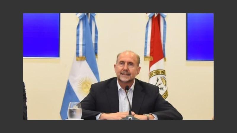 El gobernador encabezó la conferencia de prensa este sábado.