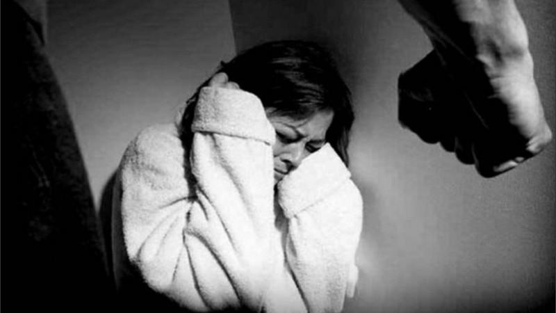 La progenitora del femicida alertó a los policías que realizan un rastrillaje para que hallaran a su hijo.