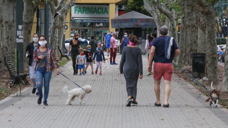 El gobierno provincial quiere cortar con las salidas recreativas en los espacios públicos.