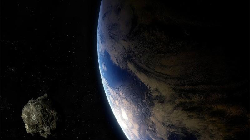 Se trata de asteroides de clase Apolo y orbitan alrededor del Sol.