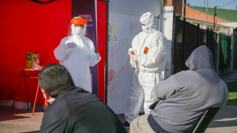 Rosario realizó testeos en los barrios para buscar contagios de covid-19.