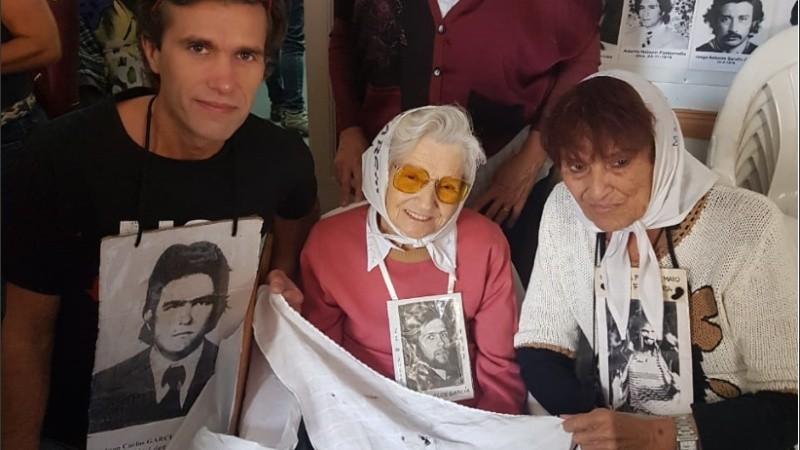 Juan Carlos fue secuestrado de su casa cuando tenía 22 años.