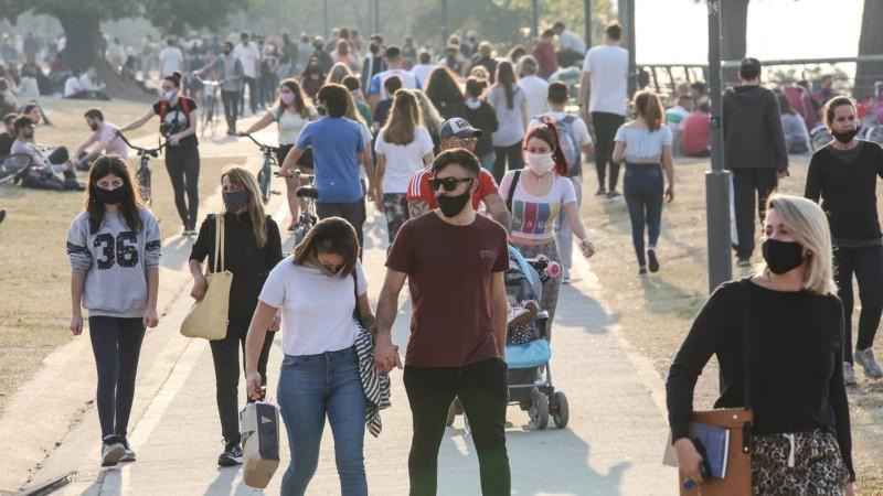 Con el buen tiempo, este domingo muchos se volcaron a los parques.