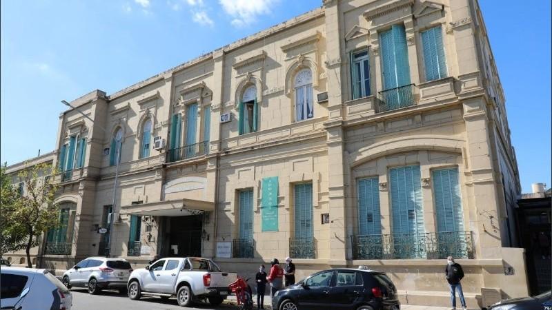 Los pacientes se encuentran internados en el hospital José María Cullen de la capital provincial.