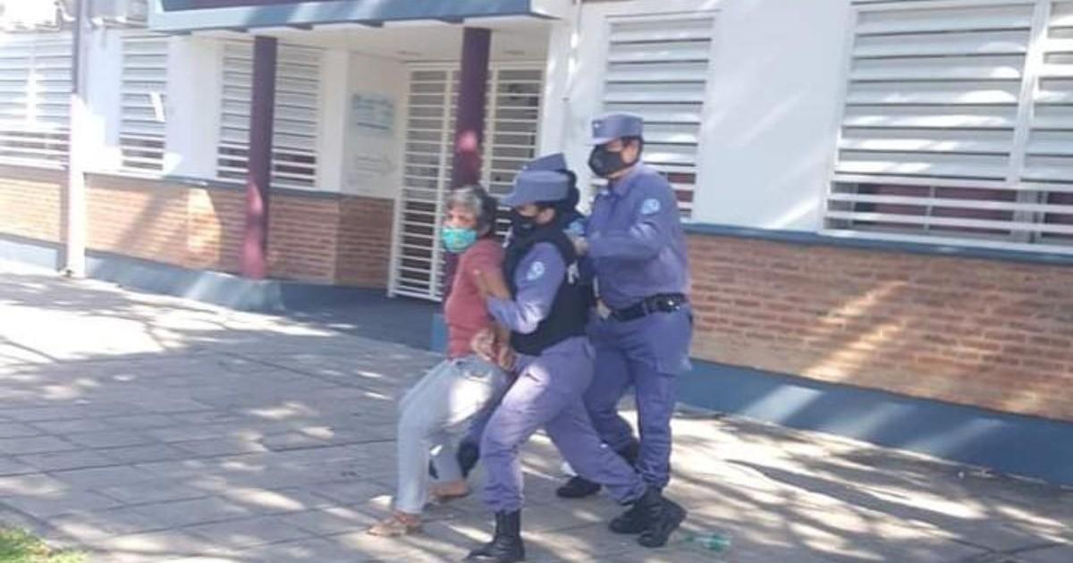 Formosa: detuvieron por varias horas a dos concejalas que reclamaban por  condiciones de aislados   Rosario3