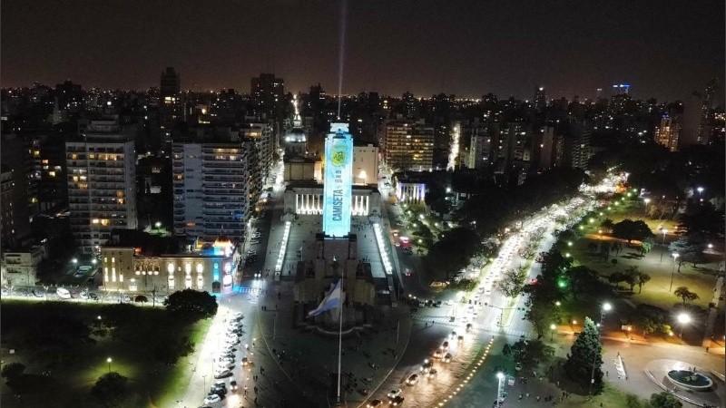 Las imágenes espectaculares del Monumento intervenido.