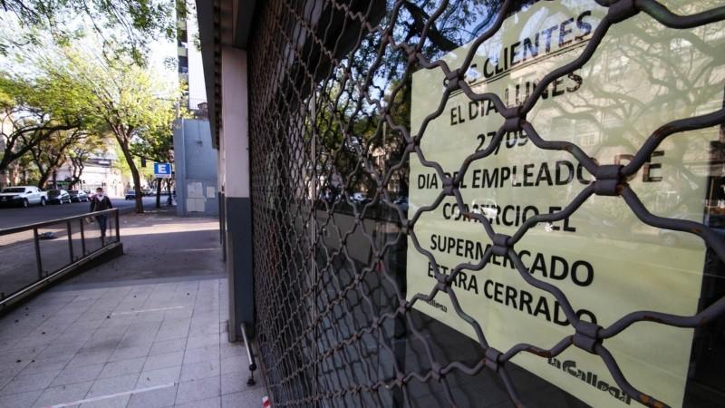 Supermercados y locales cerrados este lunes por el Día del Empleado de Comercio
