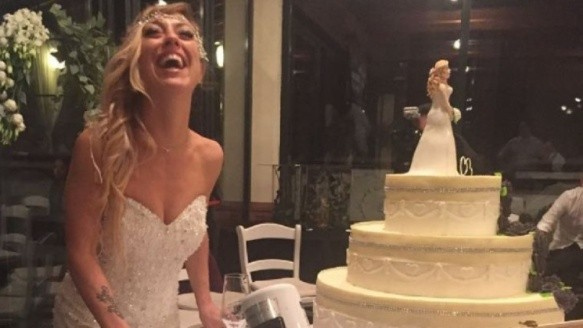 Laura Mesi, la italiana que decidió casarse con ella misma