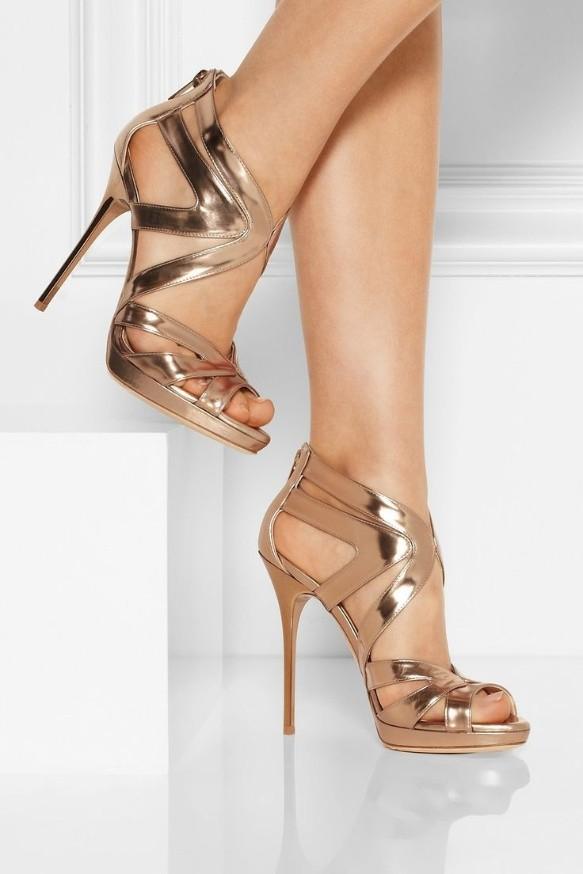 d81c8eac0 La pareja perfecta del vestido largo son unas bonitas sandalias
