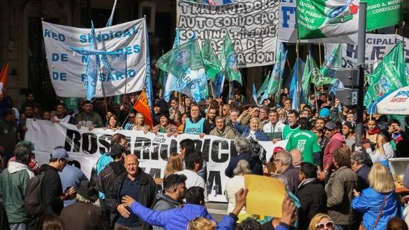 Los gremios marcharon por la ciudad. (Alan Monzón/Rosario3.com)