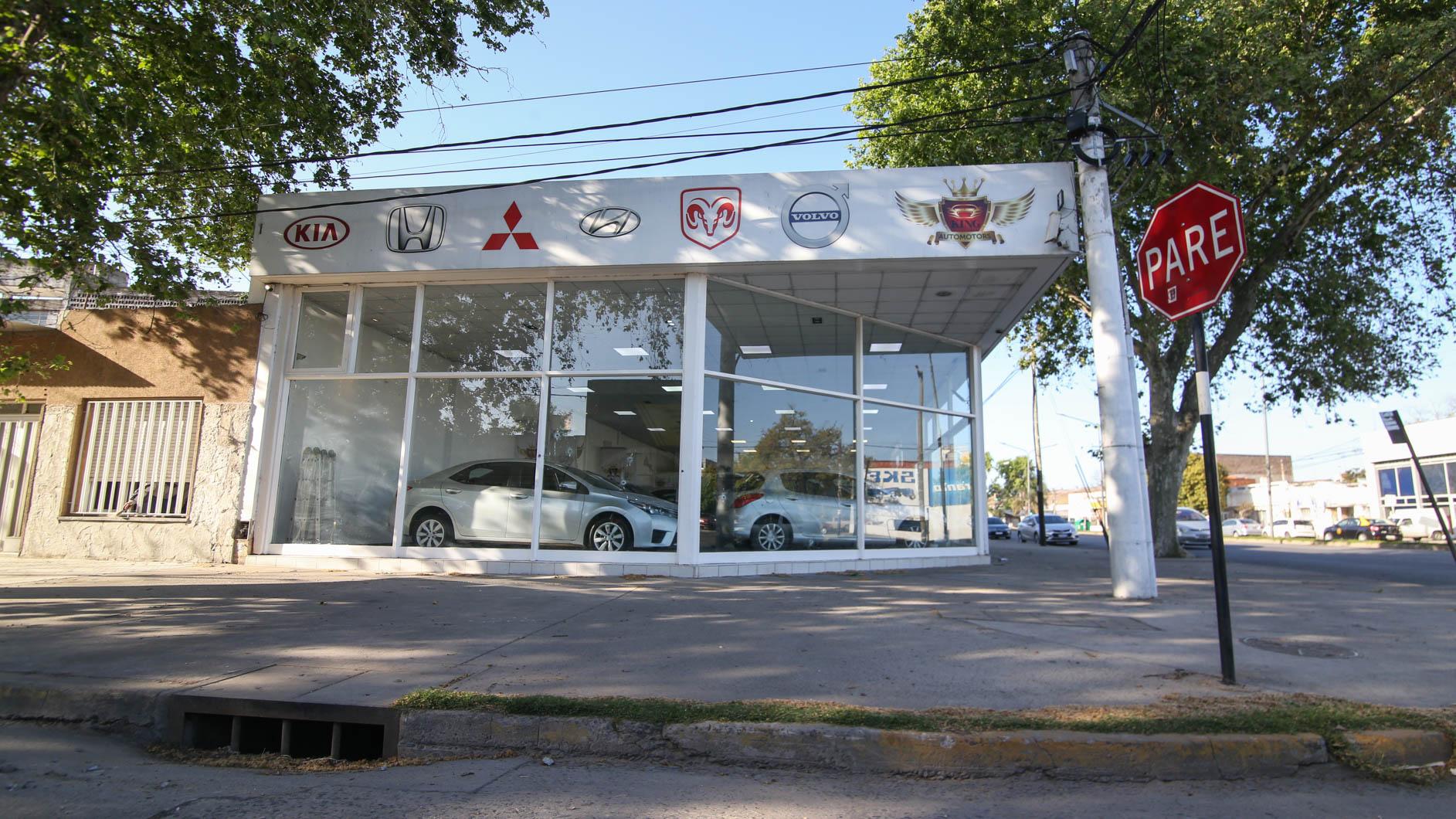 La agencia baleada. (Foto: Alan Monzón/Rosario3)